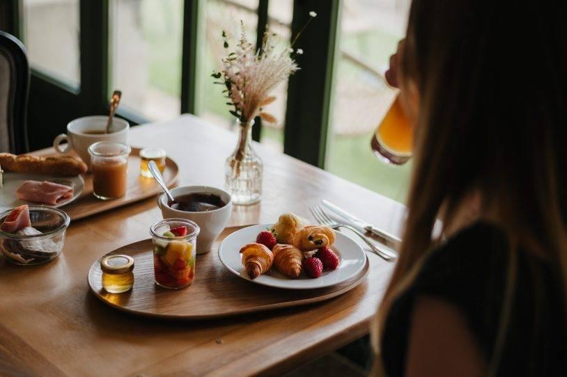 Services : Petit Déjeuner, Parking, Wifi, Bagagerie, Restaurant, Bar, Terrasse, Spa ....